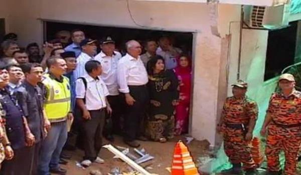PM lawat tanah runtuh 1