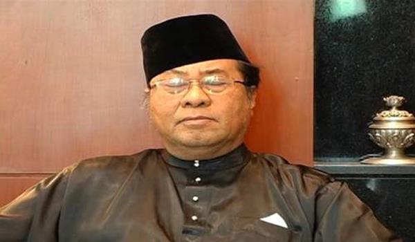 Khalid_Ibrahim Terlelap Ketika Sidang Media
