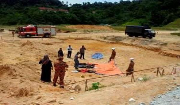 Tiga pekerja binaan yang terbunuh dalam kejadian tanah runtuh yang berlaku di tapak pembinaan di Ukay Perdana