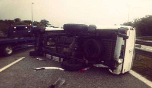 Keadaan kereta pacuan empat roda milik Nabila yang terbalik akibat kemalangan.