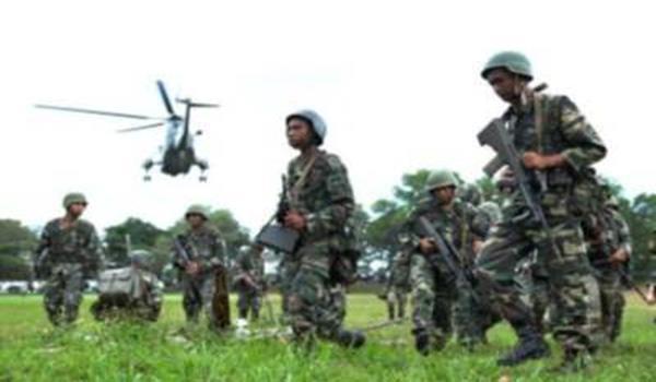 PERTAHAN NEGARA...Pasukan keselamatan bersiap sedia menuju ke lokasi pertempuran dalam Ops Daulat bagi menumpaskan saki baki kumpulan penceroboh, Mac lalu.