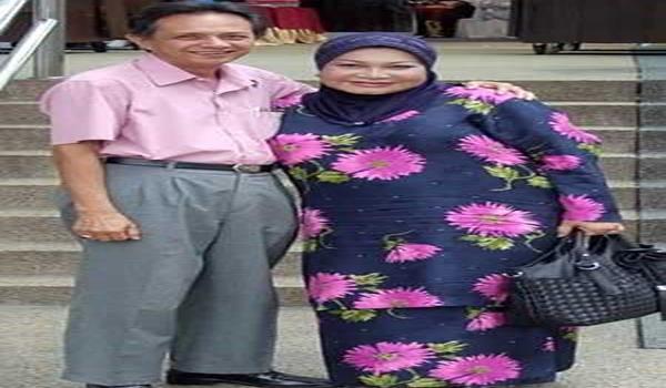 Foto kenangan Azean dan suaminya.