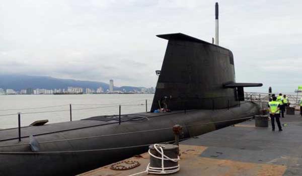 kapal selam australia pulau pinang