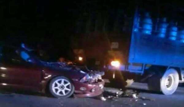 KEADAAN kereta yang merempuh lori dalam kemalangan di Kilometer 86 Jalan Kota Bharu-Gua Musang, malam tadi, menyebabkan seorang maut dan dua cedera parah.