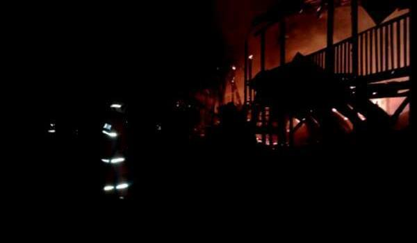 tmp_9281-rumah panjang champing bintulu terbakar-900653795