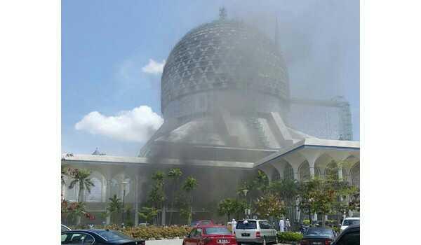 bilik-kuliah-masjid-negeri-selangor-terbakar